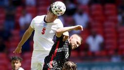 Tampil dihadapan pendukung sendiri, Inggris tampil menekan sejak bola digulirkan. Sementara Kroasia lebih banyak bertahan dengan sesekali melancarkan serangan balik. (Laurence Griffiths, Pool via AP)