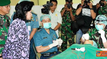 Citizen6, Jakarta Utara: Dalam pengobatan gratis ini, dihadiri ribuan pasien yang terdiri dari pasien pengobatan umum, gigi, khitanan, katarak, dan bibir sumbing. (Pengirim: Badarudin Bakri)