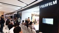 Fujifilm Showroom di Surabaya. Liputan6.com/ Dian Kurniawan