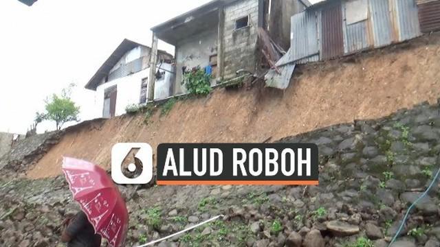 Sebuah talud (dinding penyangah tanah) setinggi 50 meter roboh akibat hujan deras dan gempa yang sempat menggoyang kawasan Ambon, Maluku.
