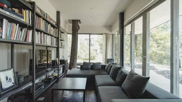 Sofa ruang keluarga