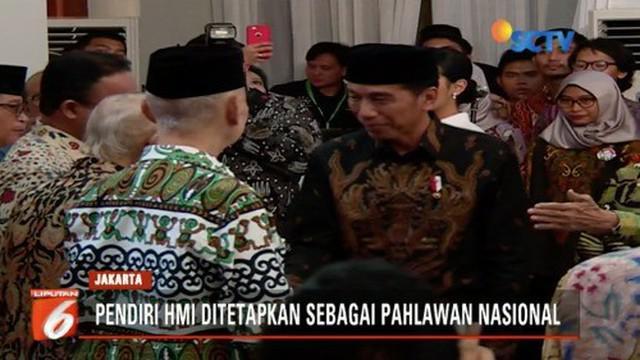 Presiden Jokowi berikan gelar pahlawan nasional untuk Lafran Pane, pendiri Himpunan Mahasiswa Indonesia.