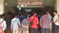 Orangtua penelantar anak menjalani pemeriksaan di RS Polri Kramat Jati (Liputan6.com/ Richo Pramono)