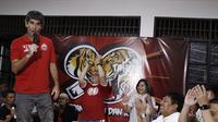 Pelatih Persija Jakarta, Stefano Teco, memberikan sambutan saat acara syukuran di Kantor Persija, Jakarta. Acara ini merupakan peringatan hari jadi Persija ke-90. (Bola.com/Yoppy Renato)
