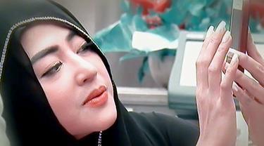 Dewi Perssik mengaku akan bertunangan oktober mendatang