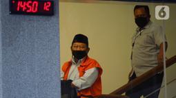 Bupati Sidoarjo nonaktif, Saiful Ilah usai menandatangani penyerahan P21 tahap 2 di Gedung KPK, Jakarta, Rabu (6/5/2020). Saiful Ilah dalam waktu dekat akan menjalani sidang perdana terkait dugaan menerima suap proyek infrastruktur di Dinas PUPR Kabupaten Sidoarjo. (merdeka.com/Dwi Narwoko)