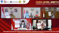 Penandatanganan pernyataan bersama sejumlah instansi terkait dalam upaya memberantas pinjaman online ilegal.