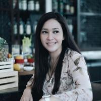 Maia Estianty mengunggah foto sedang tersenyum saat berada di Bangkok (Instagram/@maiaestiantyreal)