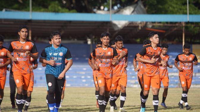Liga 1 Persiraja Ditinggal Banyak Pemain Inti Suporter Percayakan Seluruhnya Pada Manajemen Indonesia Bola Com