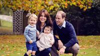 Foto keluarga Pangeran William yang baru saja dirilis untuk perayaan Natal. (foto: usmagazine)