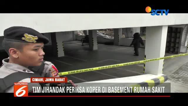 Tim penjinak bom periksa koper mencurigakan yang ditemukan di basement Rumah Sakit Mitra Kasih Cimahi.
