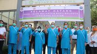 3 bakal pasangan calon Pilkada Tangsel menjalani tes kesehatan, Selasa (8/9/2020). (Liputan6.com/ Pramita Tristiawati)