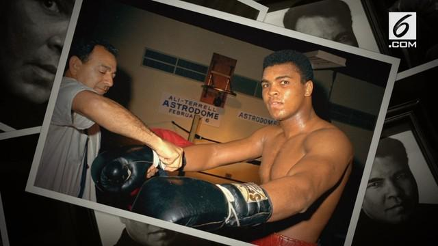 Nama petinju legendaris Muhammad Ali dijadikan nama sebuah bandara di Amerika Serikat.