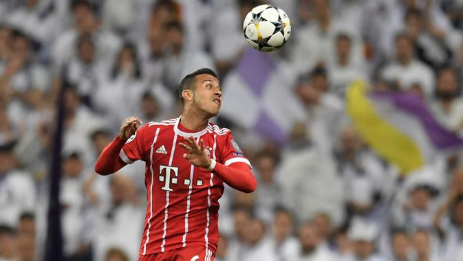 Gelandang Bayern Munchen, Thiago Alcantara (AFP/Gabriel Bouys)