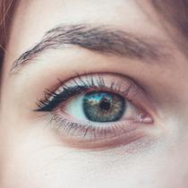 Ilustrasi Bulu Mata Lentik | unsplash.com