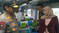 Kapolda Metro Jaya Irjen Gatot Eddy Pramono meninjau persiapan arus mudik 2019 di Stasiun Gambir, Rabu (29/5/2019). (Merdeka.com/Ronald)