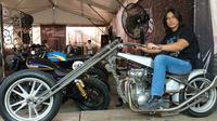 Hobi otomotifnya ini terlihat dari beberapa postingan yang ada di instagram miliknya. (Liputan6.com/IG/agunghercules88)