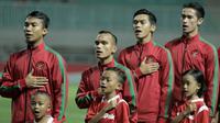 Pemain Timnas Indonesia saat melawan Thailand pada laga persahabatan di Stadion Pakansari, Bogor, Minggu, (03/6/2018). Indonesia bermain imbang 0-0 dengan Thailand. (Bola.com/M Iqbal Ichsan)