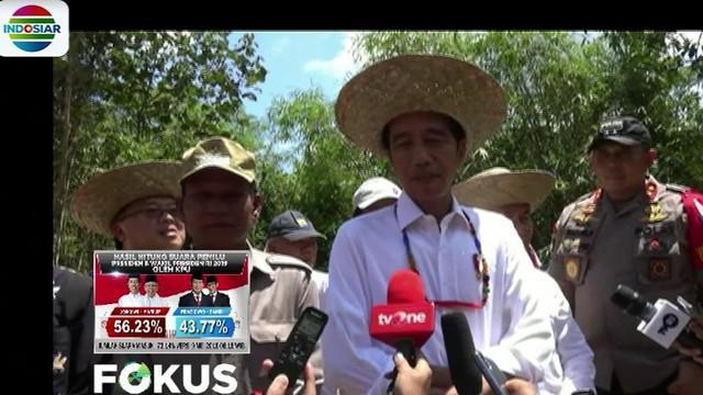 Diawali Tinjauan Dari Udara Presiden Jokowi Dan Rombongan Kemudian Menuju Ke Kabupaten Gunung Mas Meninjau