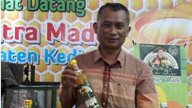 Sunarwan pemilik usaha madu 'Sunarwan Madu'. (Liputan6.com/Dok. Sunarwan)