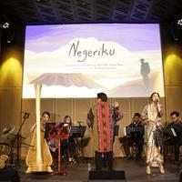 Sebuah pertunjukkan musik tradisi yang berpadu dengan orkestra dalam rangka menyambut HUT RI Ke-74 (Foto: Galeri Indonesia Kaya)