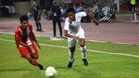 Timnas Indonesia U-18 menekuk Deltras dengan skor 1-0 di Stadion Gelora Delta, Sidoarjo, Sabtu (20/7/2019). (Bola.com/Zaidan Nazarul)