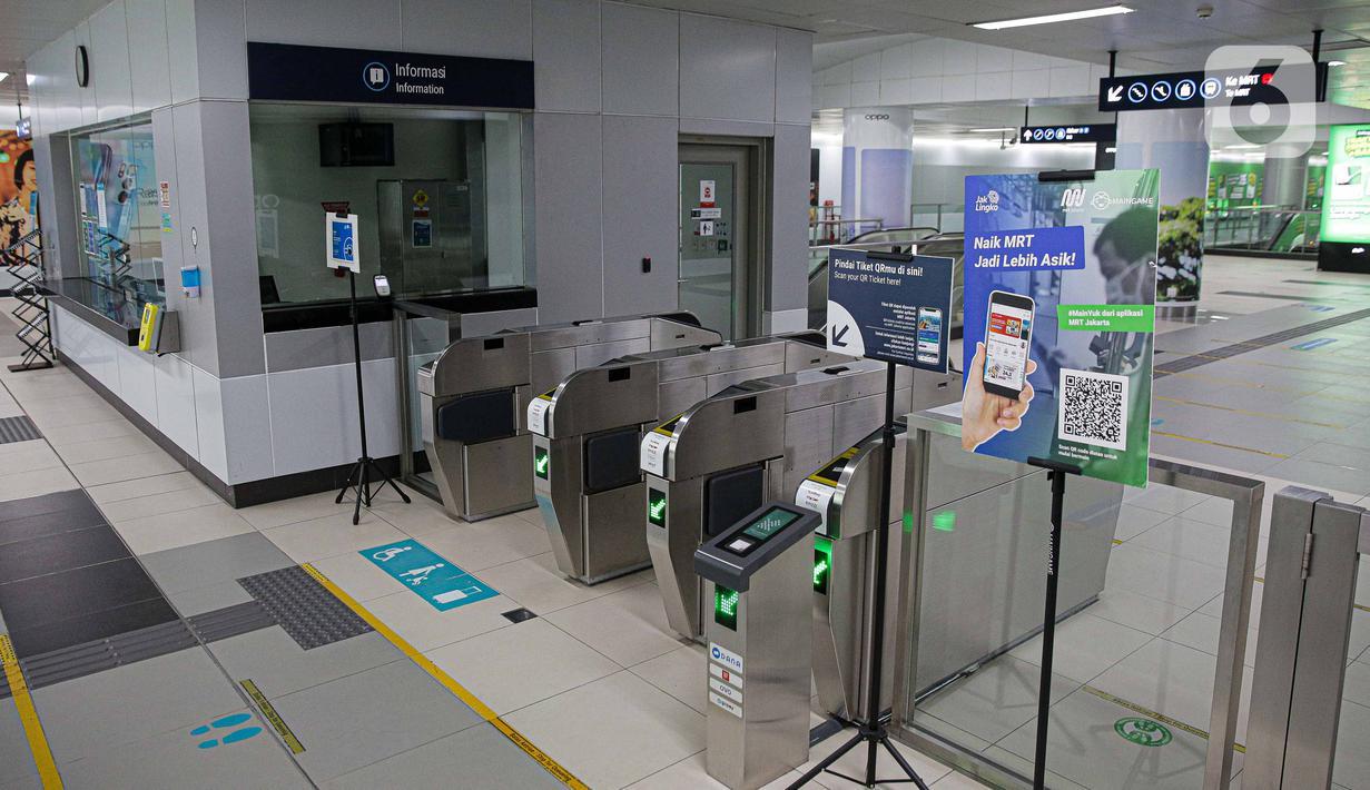 Suasana tampak sepi di Stasiun MRT Bundaran HI, Jakarta, Selasa (3/8/2021). Jumlah penumpang Moda Raya Terpadu (MRT) Jakarta semakin menurun semenjak Pemberlakuan Pembatasan Kegiatan Masyarakat (PPKM). (Liputan6.com/Faizal Fanani)