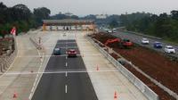 Proyek gerbang Tol Jagorawi, tepatnya di Gate Bogor III dikeluhkan warga perumahan elite Danau Bogor Raya. (Liputan6.com/Achmad Sudarno)