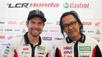 Putut Maulana bersama pembalap tim satelit LCR Honda, Cal Crutchlow. (Instagram/Putut Maulana)