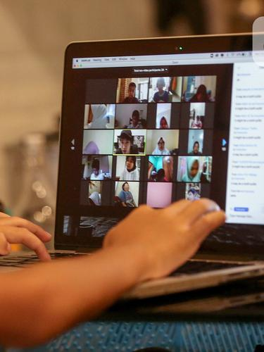 Diperpanjang Sampai 20 Mei, Siswa Belajar Online di Rumah