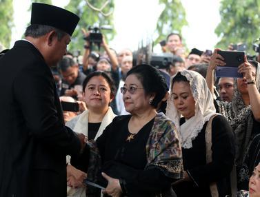 Pertemuan SBY dan Megawati di Pemakaman Ani Yudhoyono
