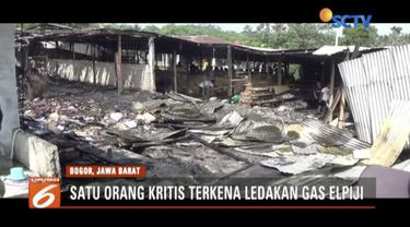 Bengkel sepatu Kong Asong di Taman Sari Bogor, Jawa Barat, ludes terbakar diduga bahan mentah terkena percikan api.