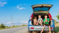 Perjalanan menuju lokasi liburan panjang kali ini akan menyenangkan baik naik pesawat terbang, mobil, maupun kereta api.