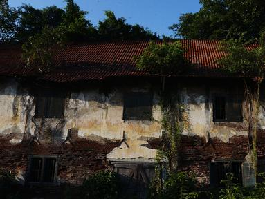 Kondisi gudang 'Major Massie' di kawasan Kota Tua, Jakarta, Kamis (3/9/2020). Bangunan tua yang menjadi saksi sejarah Perusahaan Dagang Belanda di Hindia Timur (VOC) ini dulunya berfungsi sebagai gudang penyimpanan logistik, pangan, dan komoditas lain. (merdeka.com/Imam Buhori)