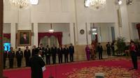 Presiden Jokowi melantik Rohidin Mersyah sebagai Gubernur Bengkulu dan Wan Thamrin Hasyim sebagai Gubernur Riau. (Merdeka.com/ Intan Umbari Prihatin)