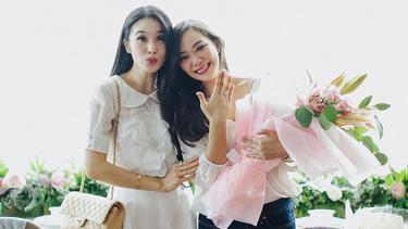 [Fimela] Yuanita Christiani dan Sandra Dewi