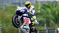 Selebrasi Valentino Rossi saat memenangi MotoGP Malaysia 2010. (Sport Rider)