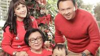 Ahok rayakan Natal dengan mengenakan sweater merah (dok.Instagram/@basukibtp/https://www.instagram.com/p/CJNJaZzh-Z5/Komarudin)