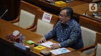 Menristek/Kepala BRIN, Bambang Brodjonegoro mengikuti rapat kerja dengan Komisi VII DPR di Kompleks Parlemen, Senayan, Jakarta, Selasa (30/3/2021). Rapat kerja tersebut membahas tentang progres kelembagaan BRIN sesuai amanat UU nomor 11 Tahun 2019 tentang Sisnas Iptek. (Liputan6.com/Angga Yuniar)