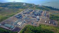 Fasilitas Kilang LNG Tangguh di Teluk Bintuni Papua Barat. Saat ini sedang dilakukan konstruksi untuk menambah satu lagi train penghasil LNG sehingga kapasitas produksi bisa meningkat dari 7,6 mtpa menjadi 11,4 mtpa.