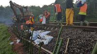 Jalur ambles di Garut, Jawa Barat tak bisa dilewati kereta dari Kamis dinihari hingga Kamis pagi. (Foto: Liputan6.com/Muhamad Ridlo/KAI Daop 5)