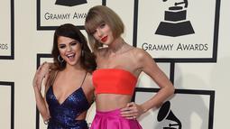 """Taylor baik-baik saja. Aku menyayanginya. Dia luar biasa. Aku bicara padanya setiap hari,"" ujar Selena Gomez. (VALERIE MACON / AFP)"