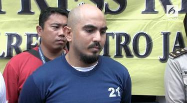 Tersangka penabrak polisi sejauh 10 meter di jalur Transjakarta ditest urine. Hasilnya pelaku positif menggunakan narkoba.