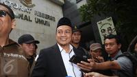 Ketua GNPF-MUI Bachtiar Nasir dicecar pertanyaan oleh awak media di Polda Metro Jaya, Jakarta, Rabu (1/2). Bachtiar Nasir akan diperiksa sebagai saksi kasus dugaan makar yang menjerat Sri Bintang Pamungkas. (Liputan6.com/Immanuel Antonius)
