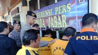 Polda Jabar menahan tersangka kasus dugaan korupsi Pemkab Tasikmalaya. (Huyogo Simbolon)