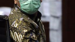 Terdakwa suap izin ekspor benih lobster tahun 2020, Edhy Prabowo saat sidang pembacaan tuntutan di Pengadilan Tipikor Jakarta, Selasa (29/6/2021). Mantan Menteri Kelautan dan Perikanan, Edhy Prabowo dituntut lima tahun penjara dan denda Rp 400 juta. (Liputan6.com/Helmi Fithriansyah)