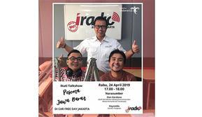 Staf Khusus Menteri Bidang Komunikasi dan Media Kemenpar, Don Kardono mempromosikan Program Pesona Jawa Barat di Car Free Day (CFD) Jakarta