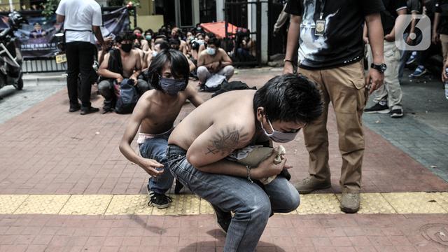FOTO: Puluhan Remaja Diamankan di Kawasan Palmerah