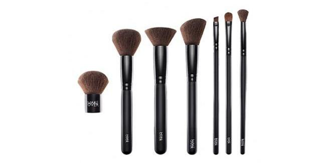 Make Over Professional Brush Set/copyright sociolla.com