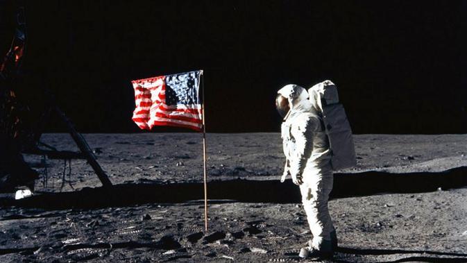 Nazi, Uni Soviet, dan Rencana AS Meledakkan Bulan